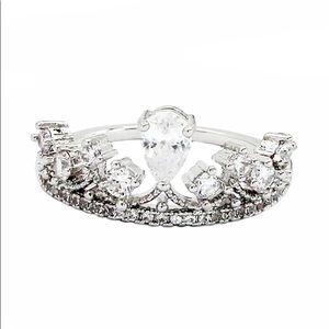 Silver Fashion laurel crown crystal ring